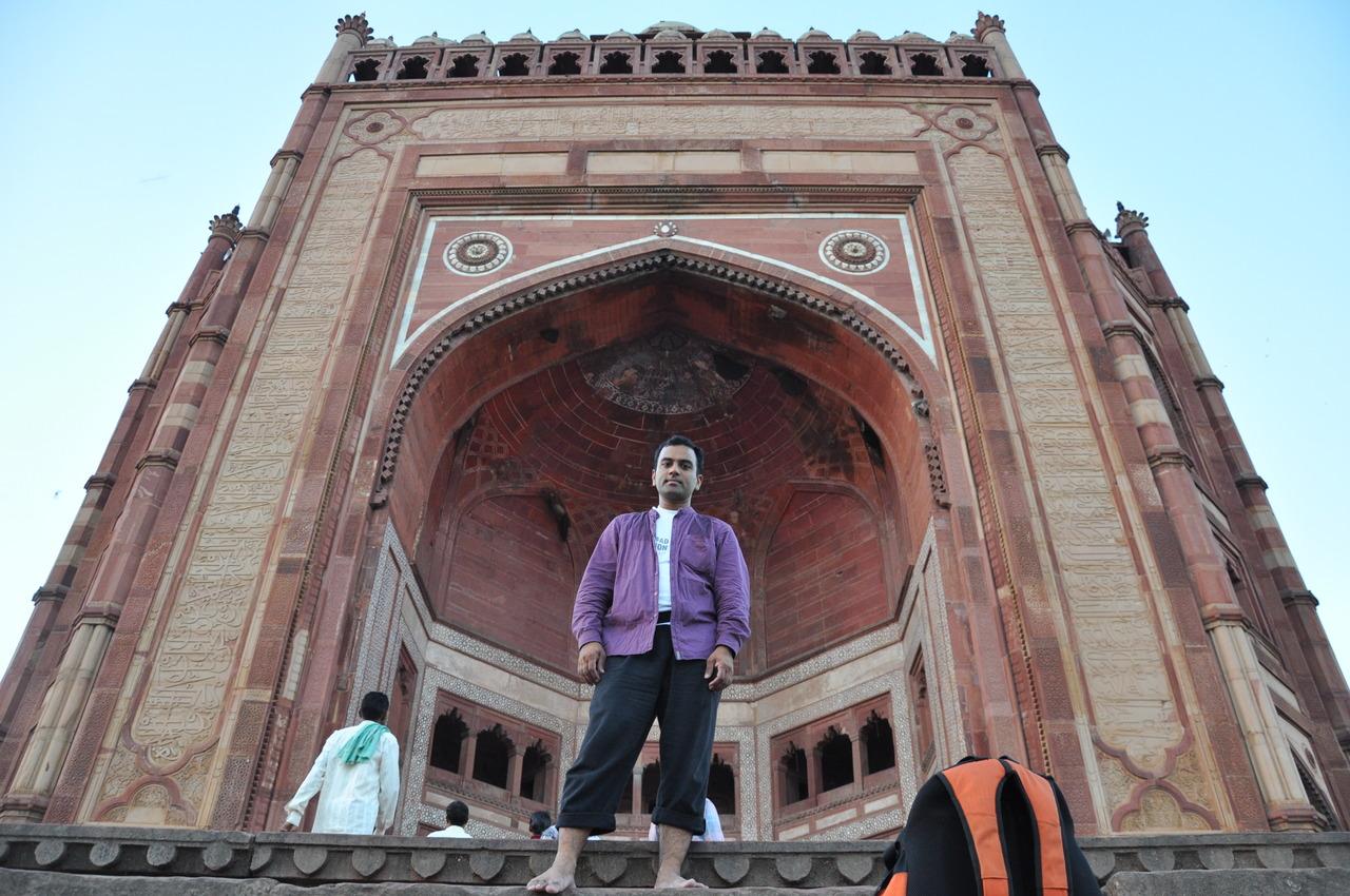 "buland darwaza essay Buland darwaza history in hindi, and all information about buland darwaza with interesting facts - दुनिया का सबसे विशाल दरवाजा ""बुलंद दरवाजा""."