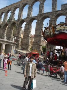 Aqueduct in segovia yazi