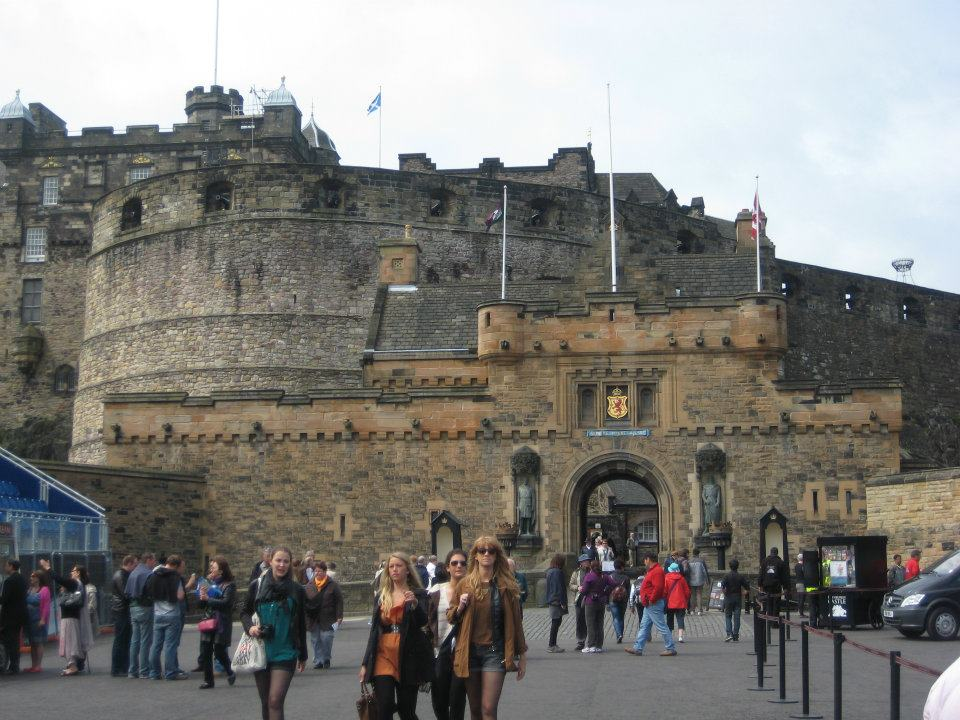 Old and New Towns of Edinburgh - United Kingdom of Great Britain and Northern Ireland By Lavneeta Jalan