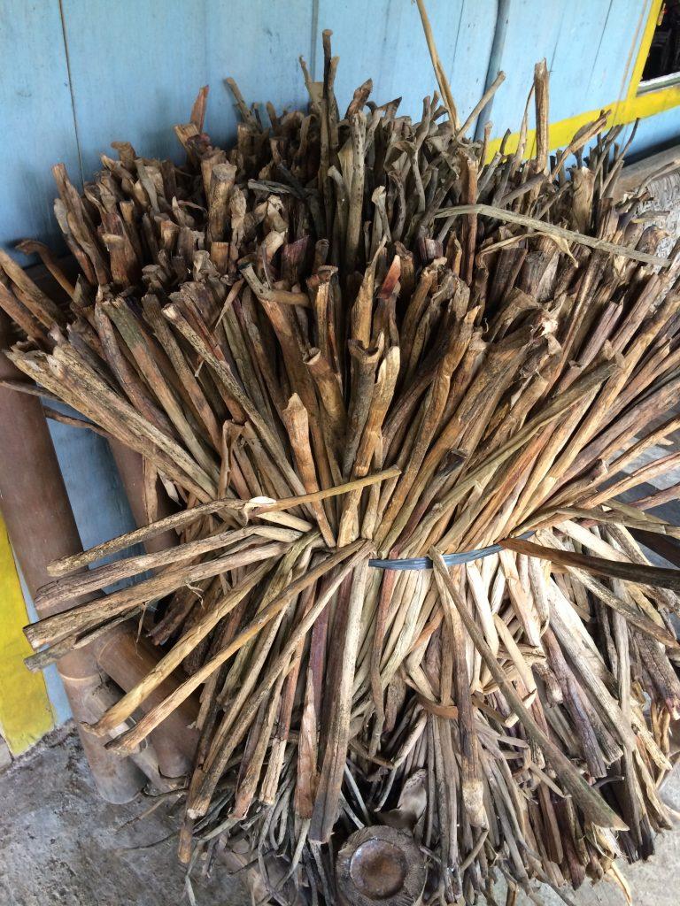 The dried hyacinth, ready for weaving. Photo credit: Anastasia Dwirahmi
