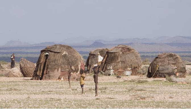 Photo Credit: The Rendille homesteads/huts, African Latitude [http://www.africanlatitude.com/en/info/the-ancestral-peoples/the-rendille.html]