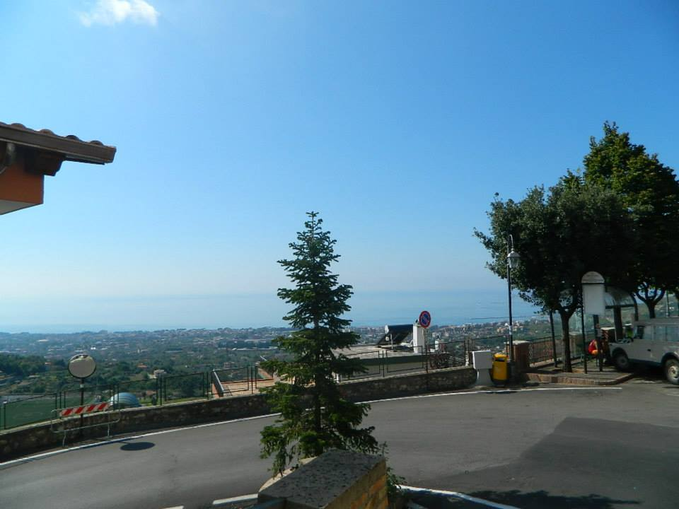 image-1-maranola-di-formia-is-a-typical-countryside-town-with-view-on-the-sea