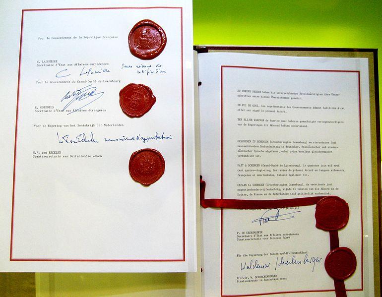 770px-schengen_agreement_1985_signatures-source-schengen-treaty-museum