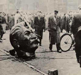 Ruined statue of Stalin. Source: http://www.historylearningsite.co.uk/