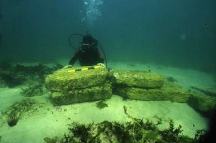 Dwarka-Underwater City Remains Picture Courtesy: unacknowledged.info