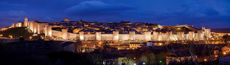 Panoramica_nocturna_de_la_Ciudad_de_Ávila