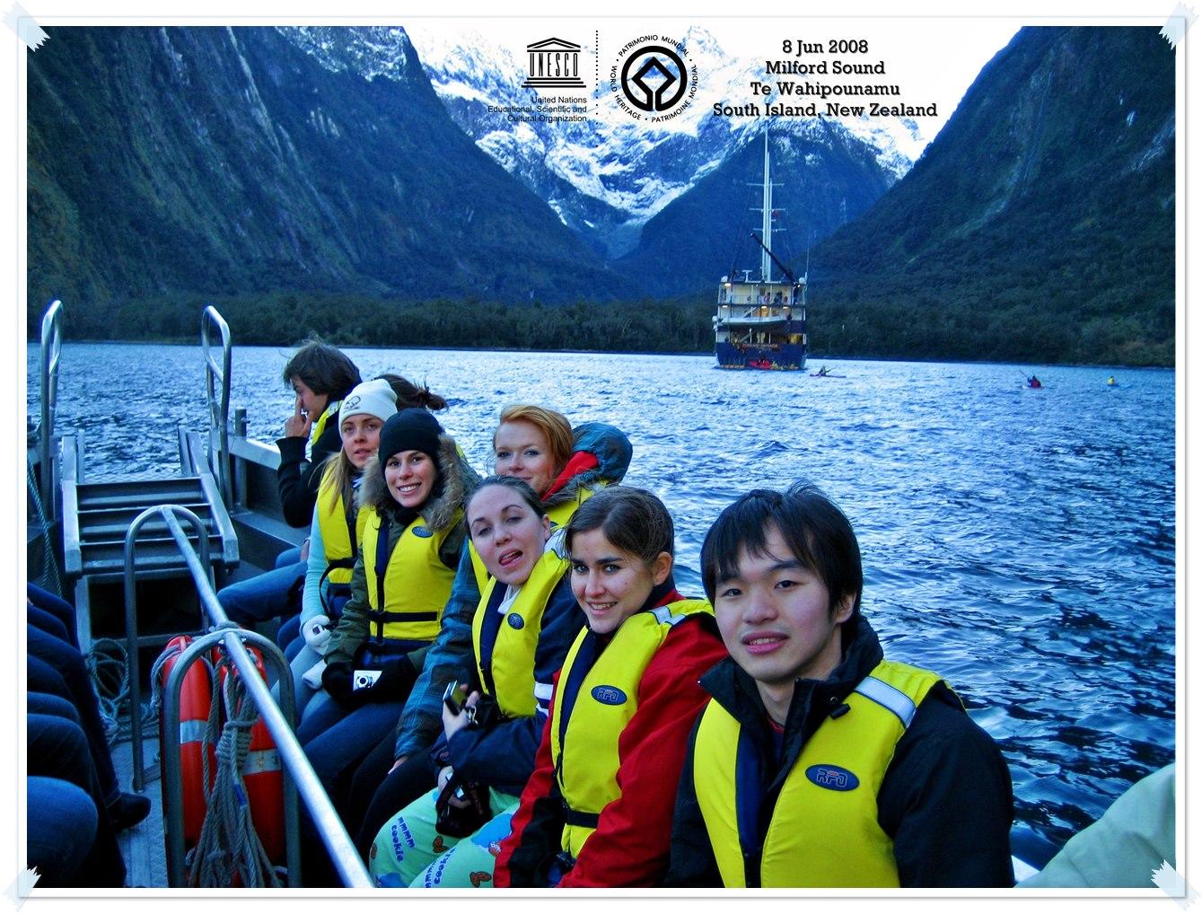 Boating at Milford Sound New Zealand Thomas shaw Te Wahipounamu – South West New Zealand