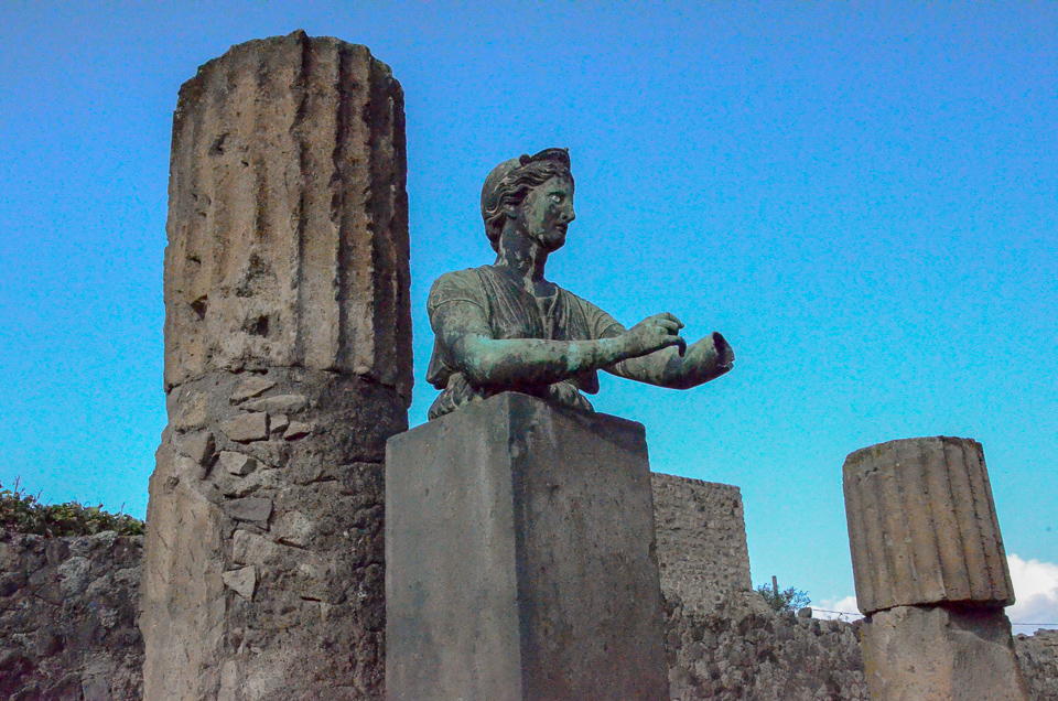 Archaeological Areas of Pompei, Herculaneum and Torre Annunziata - Italy Tom Bartel