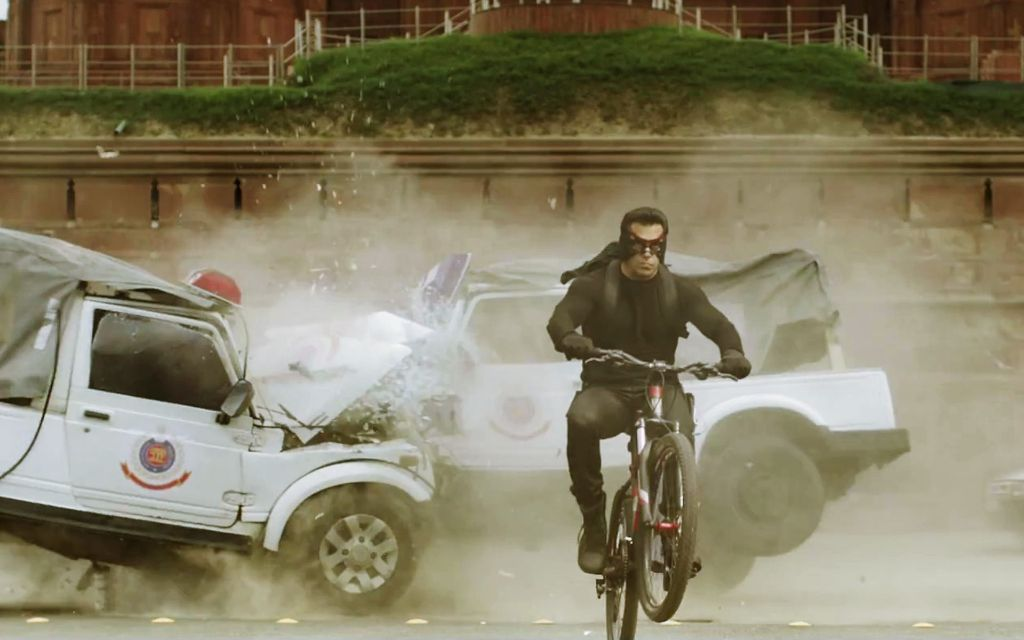 Kick-Movie-Salman-Khan-Cycle-Stunt-Wallpaper