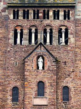 Carolingian Westwork and Civitas Corvey
