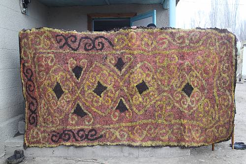 Ala-kiyiz and Shyrdak carpets of Kyrgyzstan