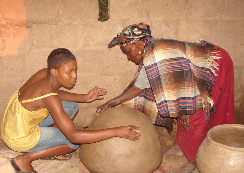 Earthenware pottery - Botswana