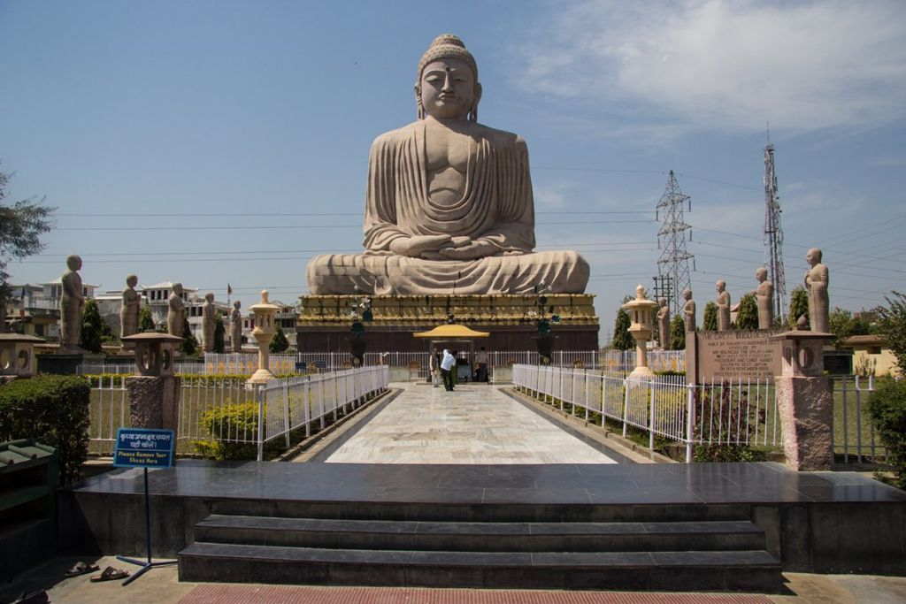 Bodh-Gaya-Place-where-Buddha-attained-enlightenment-2