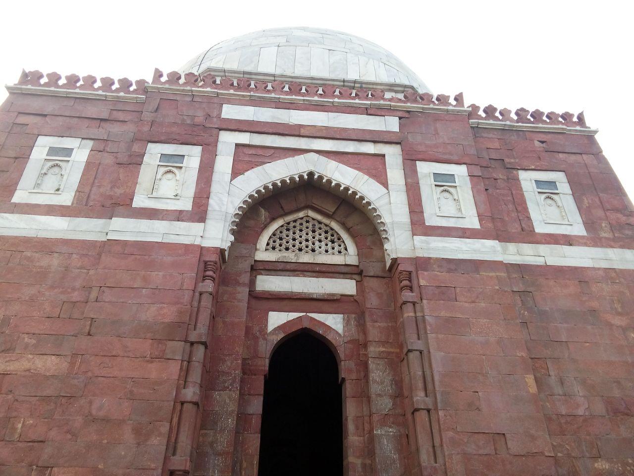 Mausoleum of Ghiyath al--Din Tughluq