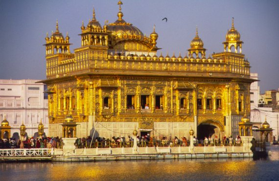 GCA3_sikhism_holy_golden_temple