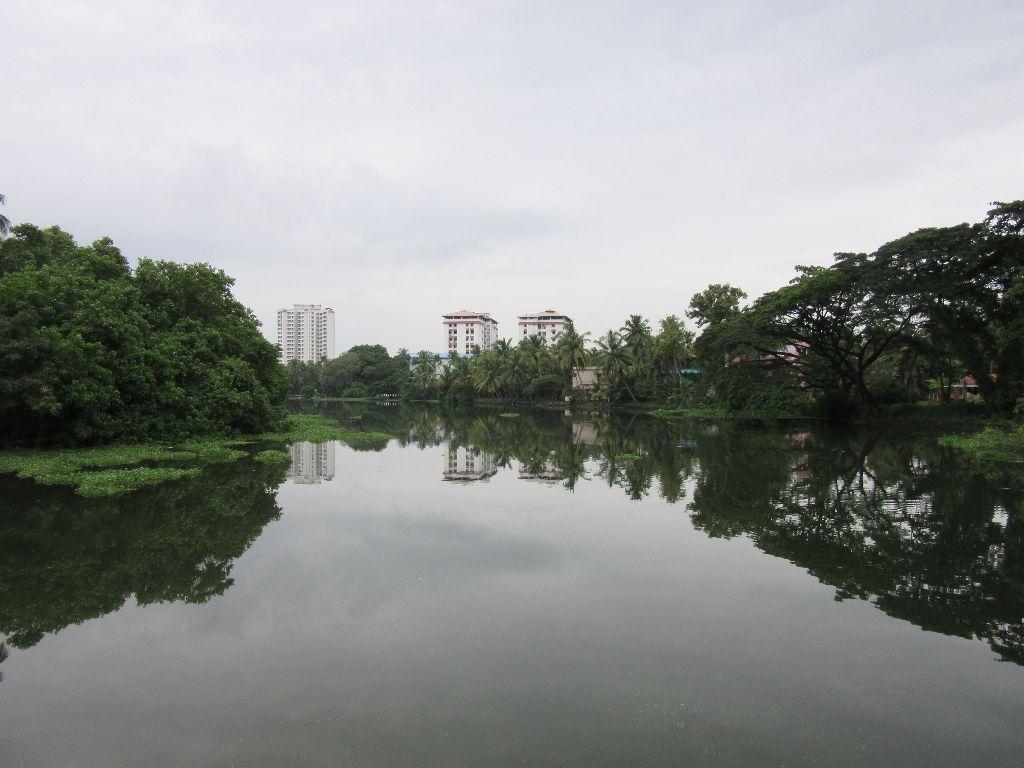 Poorni river