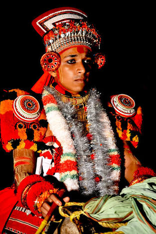 THOTTAM PATTU - vocal ballad sung before the commencement of theyyam.