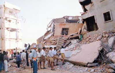 Gujarat_Earthquake_Relief_by_RSS_Volunteers
