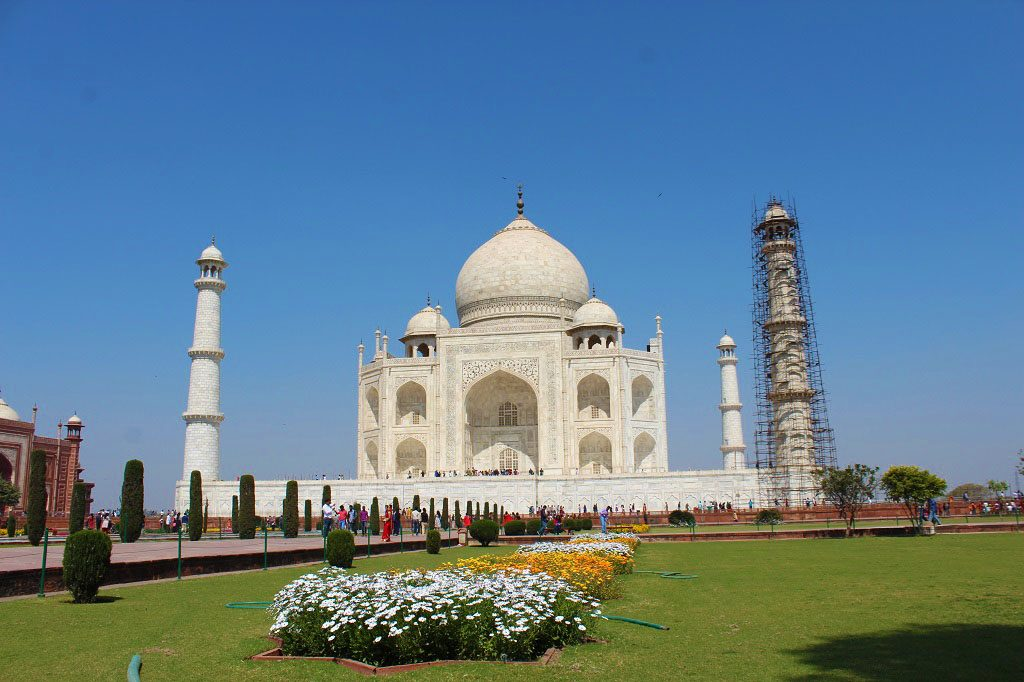 Close view of Taj Mahal