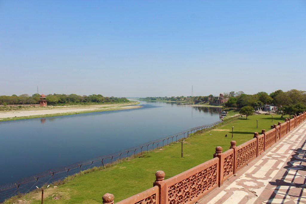 Yammuna river aside Taj Mahal