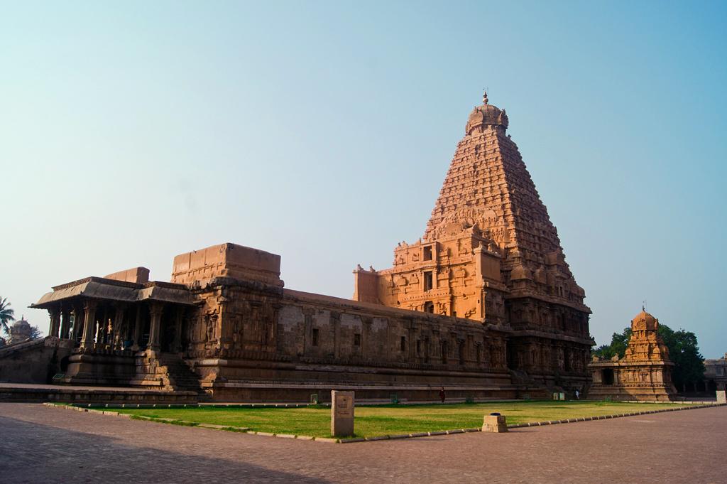 Brihadeshwara Temple is a Hindu temple dedicated to Shiva located in Thanjavur. Pic Courtesy: Kebi