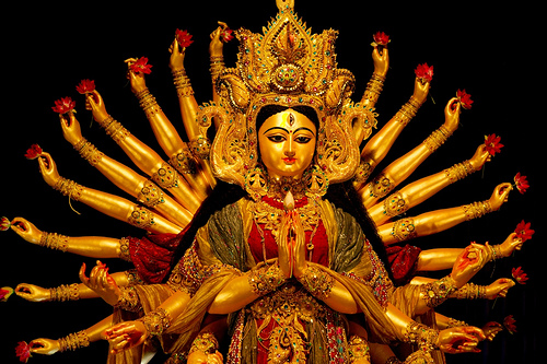 A beautifully decorated Durga Puja idol Picture Courtesy: Matthias Rosenkranz