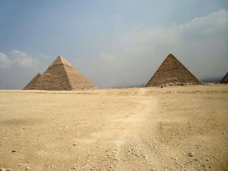 pyramids-798401_960_720