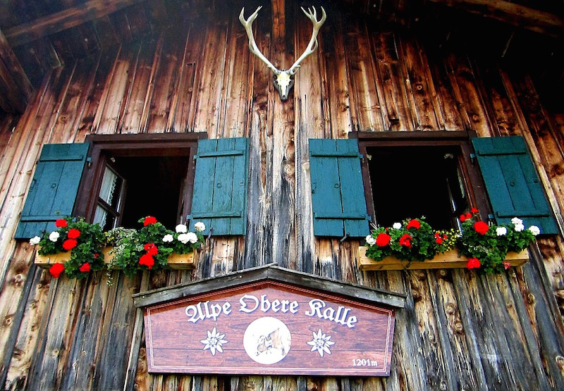 This malga has turned from a shelter for shepherds to a popular restaurant. Photo credit: Pixabay