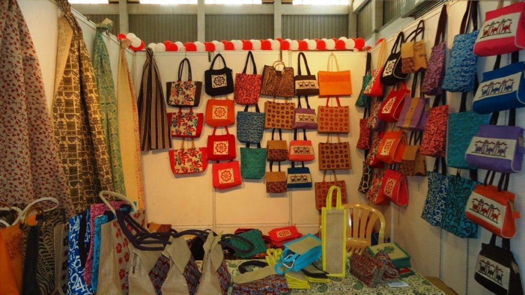Attractive jute products on display at an exhibition. Photo credit: bestjuteproducts.wordpress