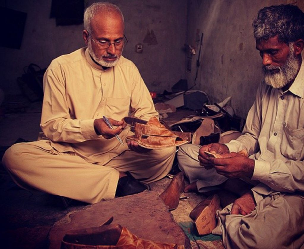 Photo credit: peshawari-chappal.tumblr