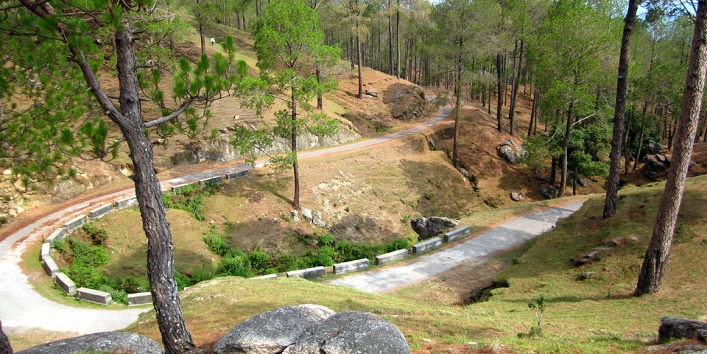 Kausani a hill station with scenic beauty2