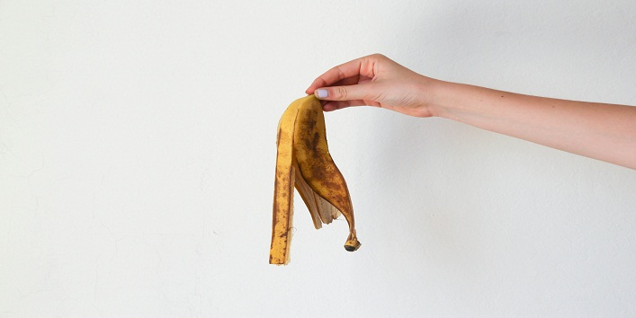 now-you-can-use-banana-peels-to-cure-acne-and-pimples 1