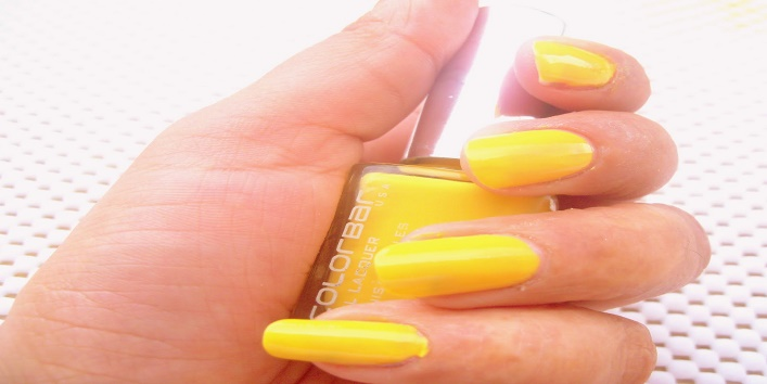 Get Your Nails Summer Ready With These Amazing New Nail Polishes7