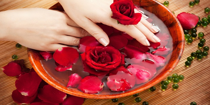 Rose Water for revitalizing and hydrated skin