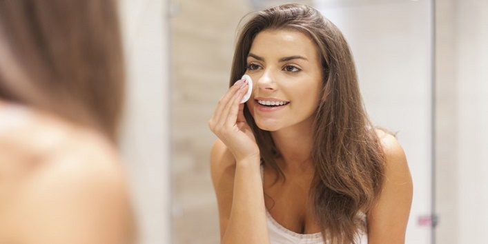 Always-remember-to-remove-your-makeup