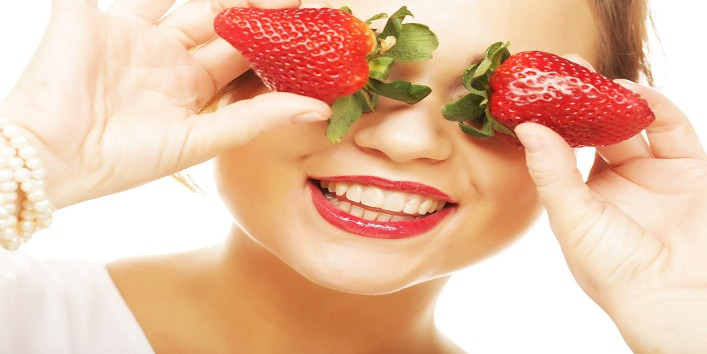 Strawberry-face-pack-for-pampering-your-skin