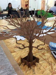 Interlock the pieces together. Then we have a beautiful pop-up tree!