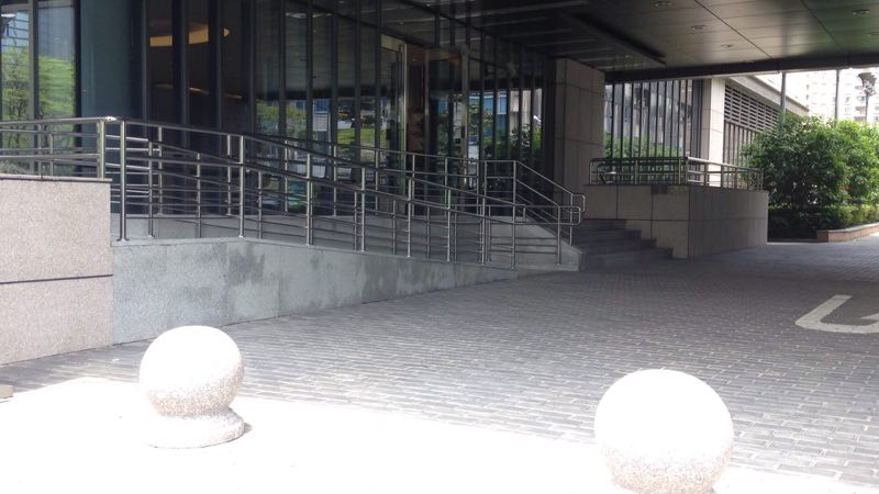 wheelchair ramp that leads to stairs