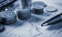 Singapore year-end bonus forecast, dependent on GDP