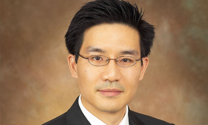 Oliver Chen,deputy director of education and industry relations at Risk Management Institute, National University of Singapore