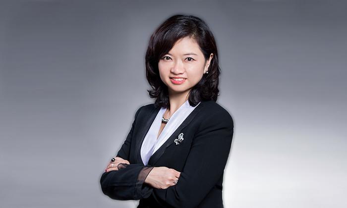 Christine Ip, UOB portrait, hr