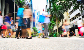 business-people-walking-in-Singapore-123RF