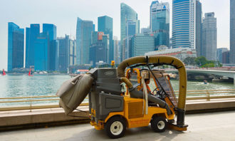 Singapore-cleaners-123RF