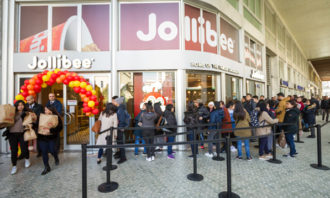 Jollibee-store-123RF