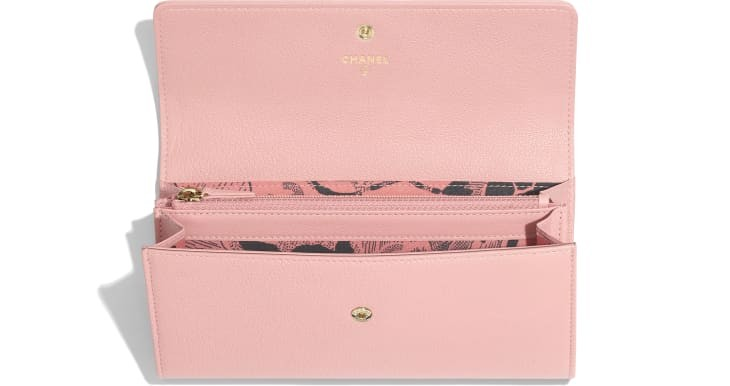 flap-wallet-pink-goatskin-gold-tone-metal-packshot-other-a81656y33399k1114-8807092486174