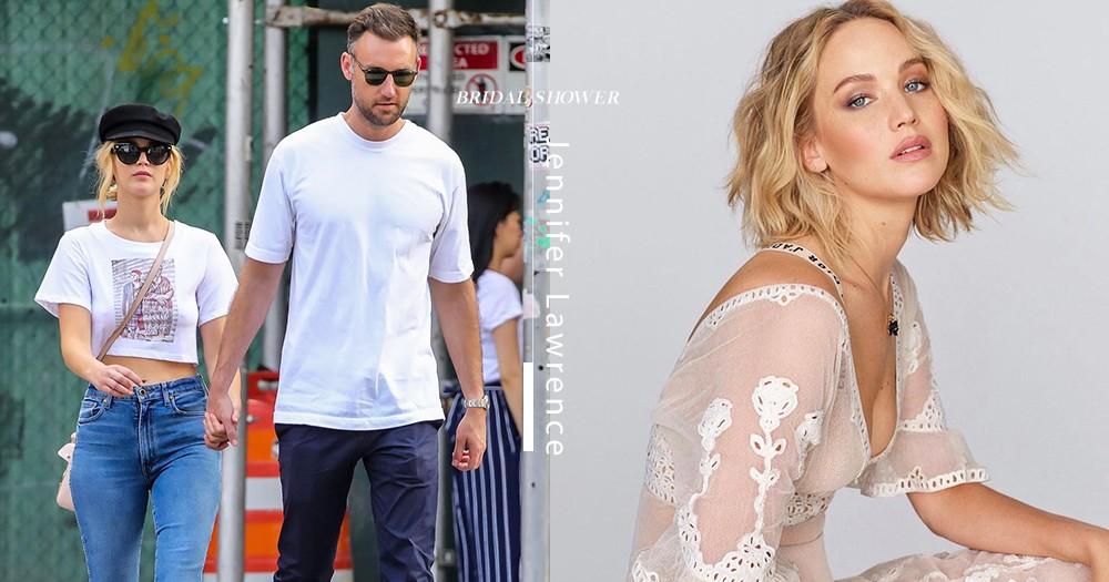 簡約而低調!Jennifer Lawrence換上復古婚紗現身訂婚派對!