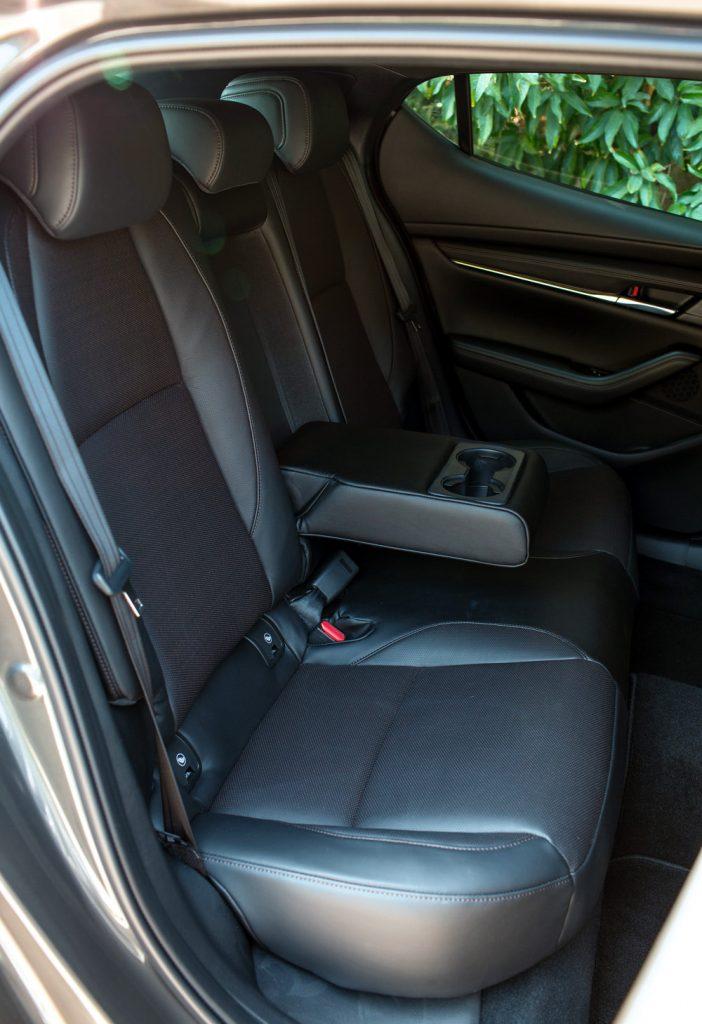 Mazda, Mazda3, Mazda3 Fastback, Mazda3 Fastback 2.0 i-Plus, 萬事得,