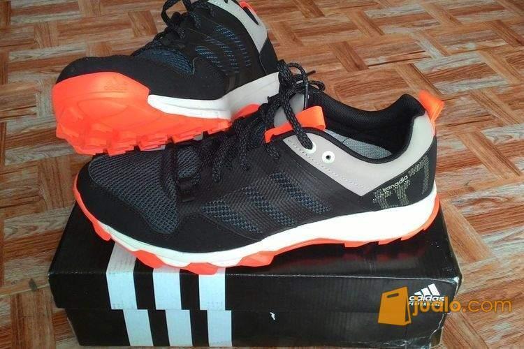 harga Adidas kanadia tr7 original size 42, 43 1/3 Jualo.com