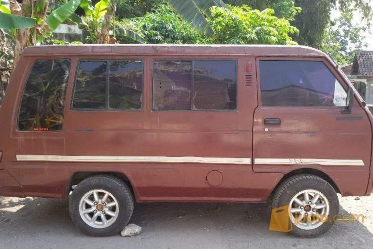 harga Hijet 1000 thn 85 Warna merah station Tangguh Jualo.com