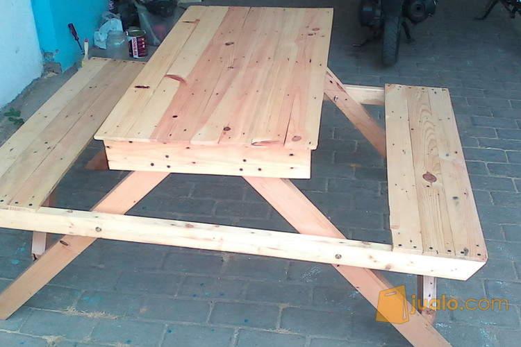 harga meja kursi cafe bahan kayu Jualo.com